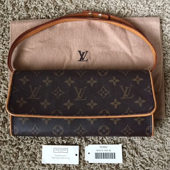 b558f092e587 Louis Vuitton Handbags - Louis Vuitton Monogram Canvas Pochette Twin GM Bag